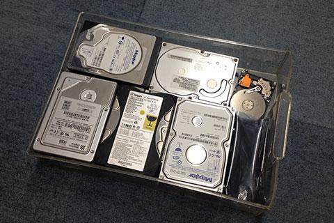 使用済みのHDD-ハードディスクドライブ-