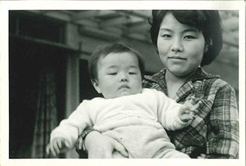 生まれた頃のモノクロ写真