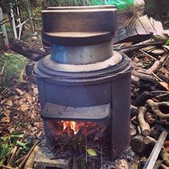 お釜の水を沸騰させる