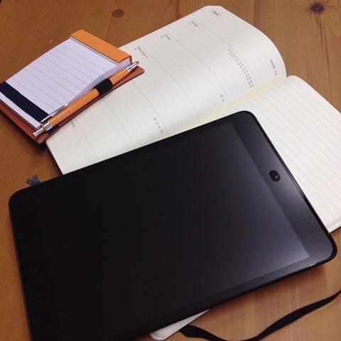 iPad miniとMOLESKINE