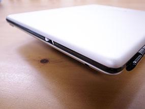 iPadのスクリーンカバーとして使う
