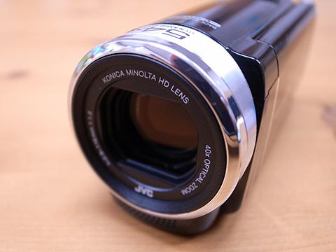 JVC GZ-E265 レンズのアップ
