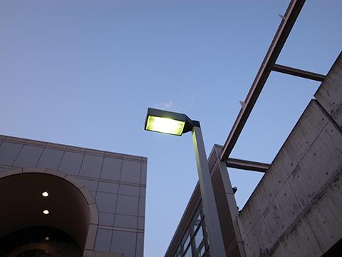 駅前の街灯