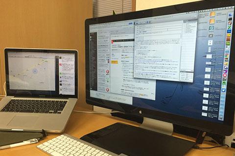 インストール後のMacとシネマディスプレイ