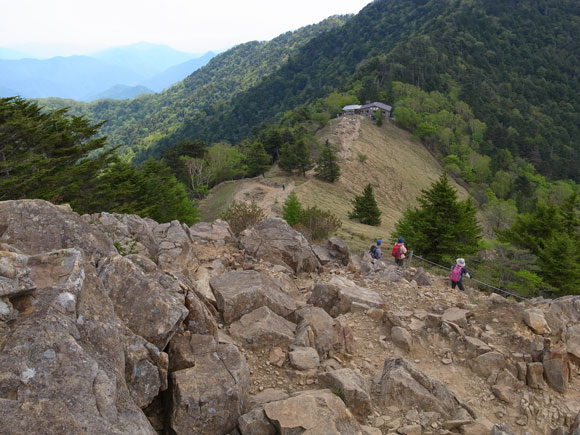 雷岩方面から大菩薩峠へ