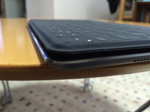 iPadと重ねてみる